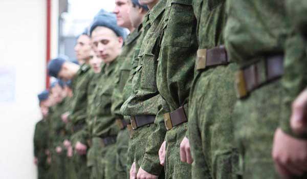 Солдаты на построении