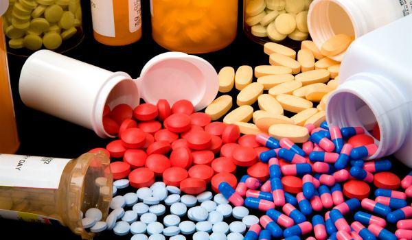 Особенности терапии ларинготрахеита у взрослых и детей: что предлагает официальная медицина и нетрадиционные средства