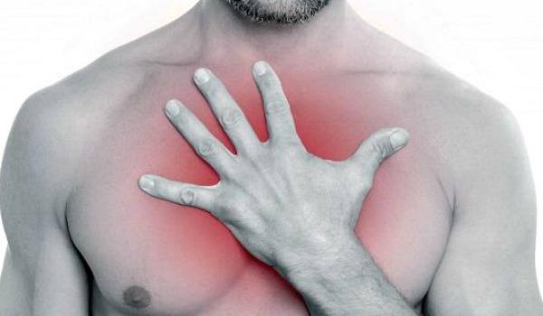 Разрешается ли при бронхите греть грудную клетку? Какие способы существуют?