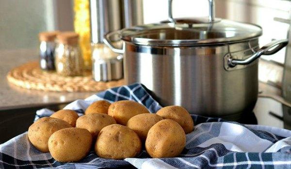 При постановке диагноза «бронхит» можно ли дышать над картошкой?