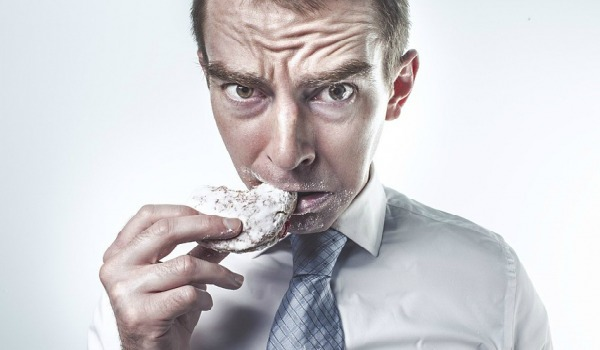 Приступы удушья в горле: причины и способы решения