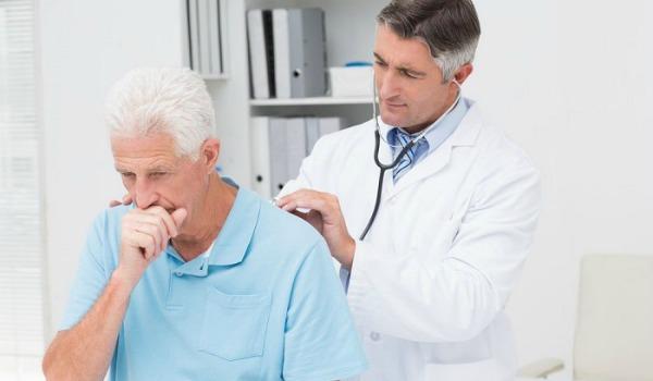 В чем опасность пневмонии после инсульта?