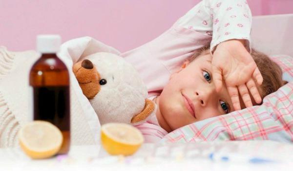 Чем рекомендуется проводить лечение пневмонии у детей?